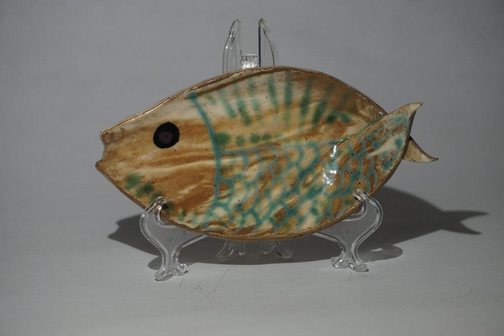 Mixed clay fish dish.
