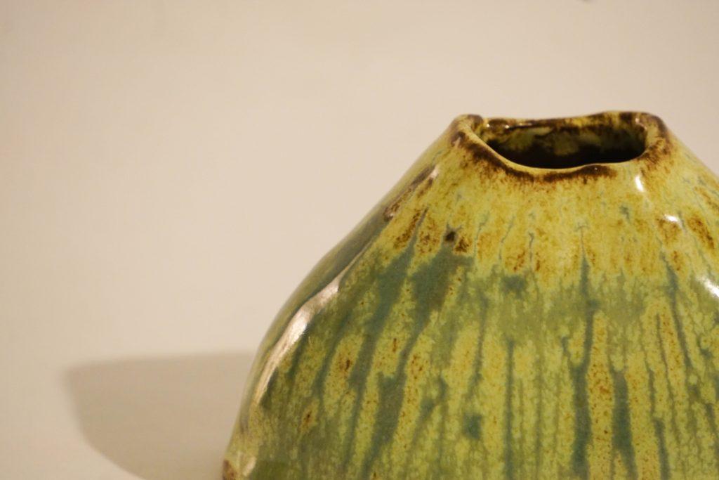 Small mountain bud vase. Yellow-green.